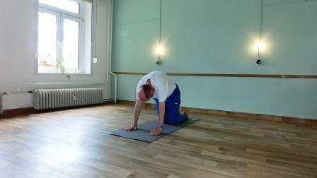 Yoga sanft für Menschen mit besonderen Beschwerden